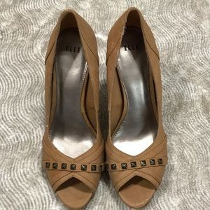 "Elle ""Ali"" Mandmade Leather Heels, Brown EUC 9M"